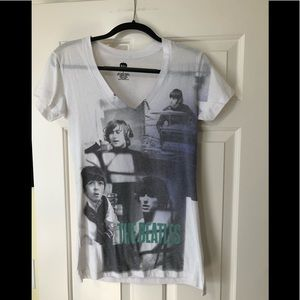 The Beatles v neck band concert tour shirt L